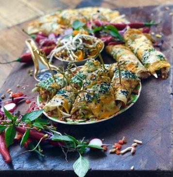 Pancake seaweed pork crispy vietnamese salad hoisin